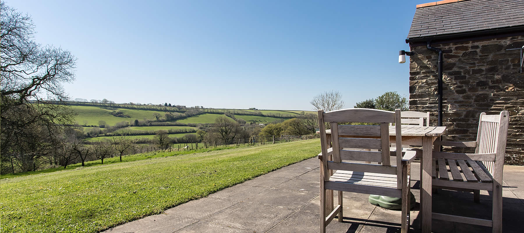 cottages sea by views cornish with the cornwall holidays
